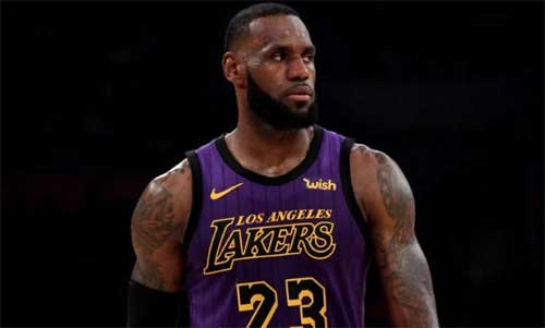 Nov 14, 2018; Los Angeles, CA, USA; Los Angeles Lakers forward LeBron James (23) takes a breather against the Portland Trail Blazers during the second half at Staples Center. Mandatory Credit: Kirby Lee-USA TODAY Sports