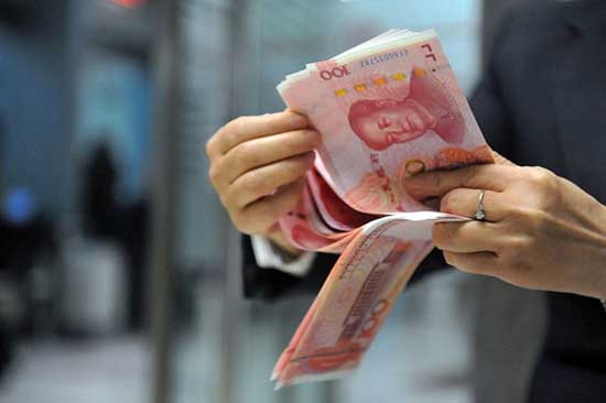 China's yuan steadies, but stocks slump as trade war engulfs currency