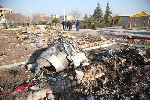 Debris of a plane belonging to Ukraine International Airlines, that crashed after taking off from Iran's Imam Khomeini airport, is seen on the outskirts of Tehran, Iran January 8, 2020. Nazanin Tabatabaee/WANA (West Asia News Agency) via REUTERS