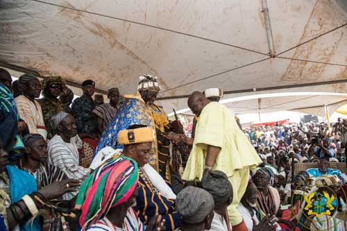 File image - Pres Akufo Addo (yellow smock) exchanges pleasantries with the new Yaa-Naa, Mahama Abukari II.