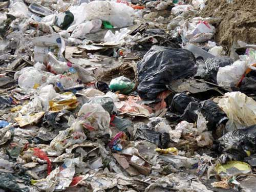 Indiscriminate disposal of polythene bags has become a problem in many parts of the country. Image credit – Ghana News Stand