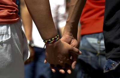 Egypt:Eight men jailed over gay marriage video