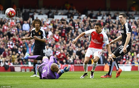 Sanchez gave Arsenal a fourth-minute lead after receiving Iwobi's cross and finishing past Heurelho Gomes at the second attempt