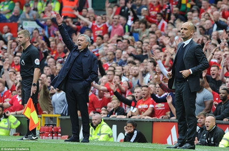 The Manchester derby marked the first clash between arch rivals Jose Mourinho (L) and Pep Guardiola in the Premier League.