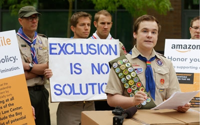 Boy Scouts change policy on gay leaders