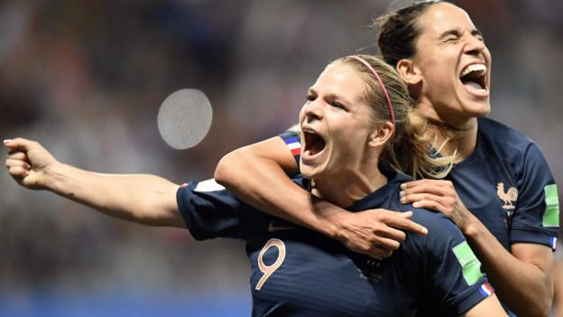 Hosts France continue 100% start with victory over Norway in eventful game