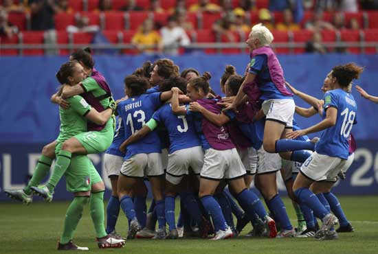 Players of Italy celebrate after winning the Women's World Cup Group C soccer match between Australia and Italy at the Stade du Hainaut in Valenciennes, Sunday, June 9, 2019. AP photo