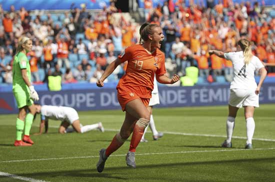 Netherlands' Jill Roord celebrates after scoring the opening goal during the Women's World Cup Group E soccer match between New Zealand and the Netherlands in Le Havre, France, Tuesday, June 11, 2019. (AP Photo/Francisco Seco)